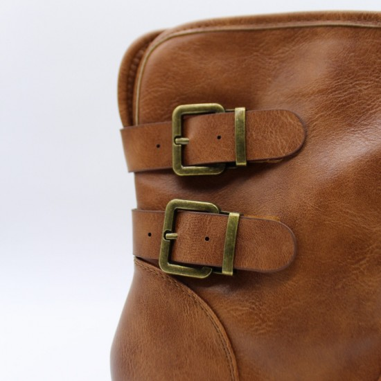 Low boots with buckles