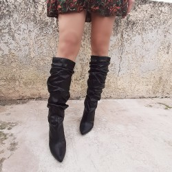 Leather like boots with fringe