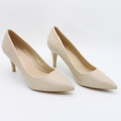 Pointed toe low heels