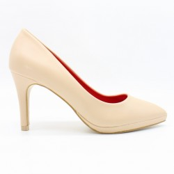 Pointed toe heels with front heel