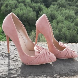 Pointed toe heels with bow