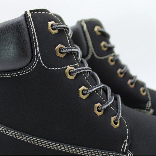 Laced low boots