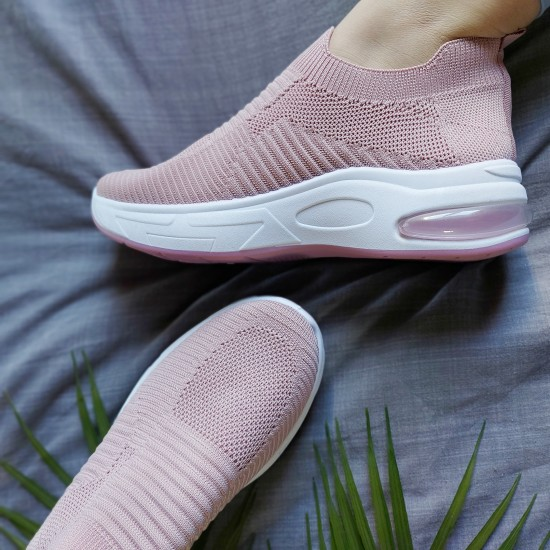 Sock fit athletic shoes with aerosole